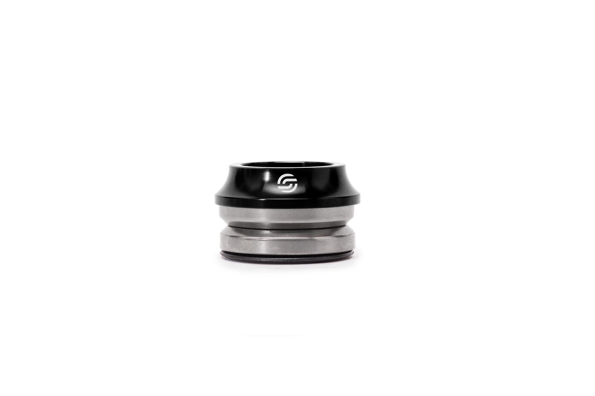 Salt_Pro_integrated_headset-black_01