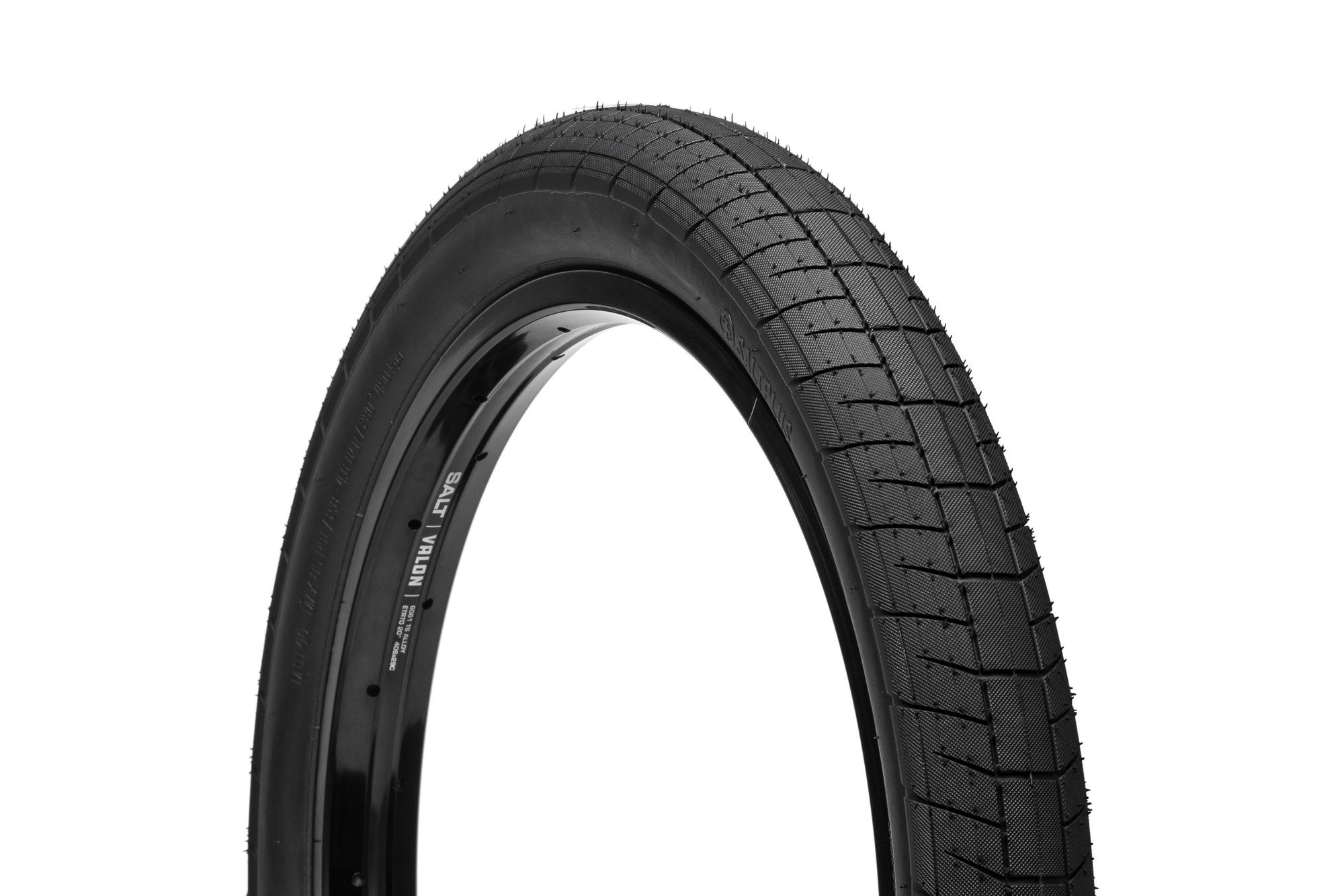 SaltPlus_Sting_tire_black_01