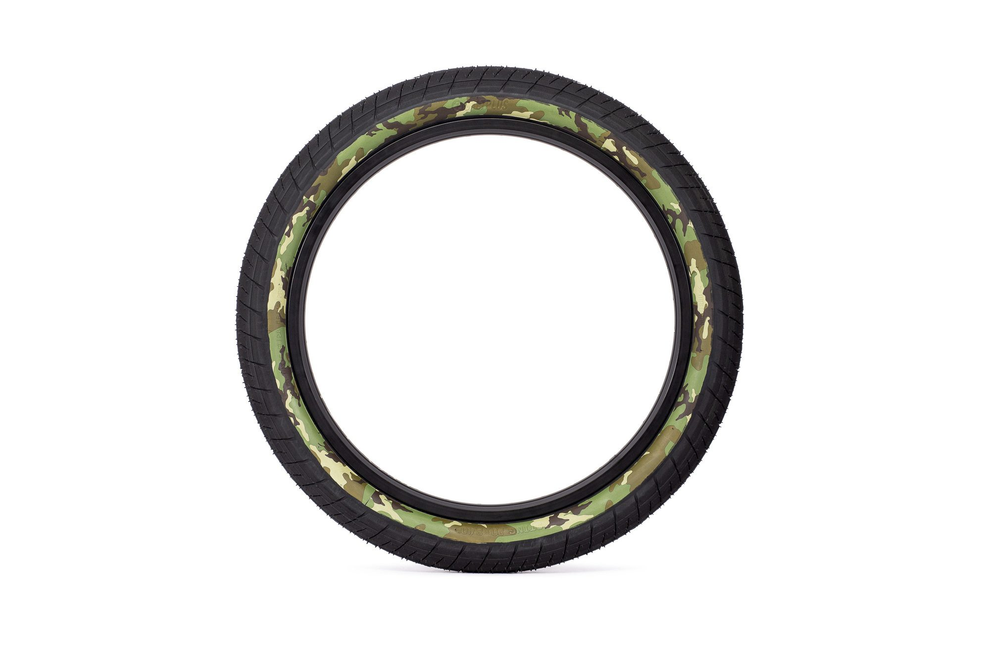 SaltPlus_Sting_tire_black_camo-01