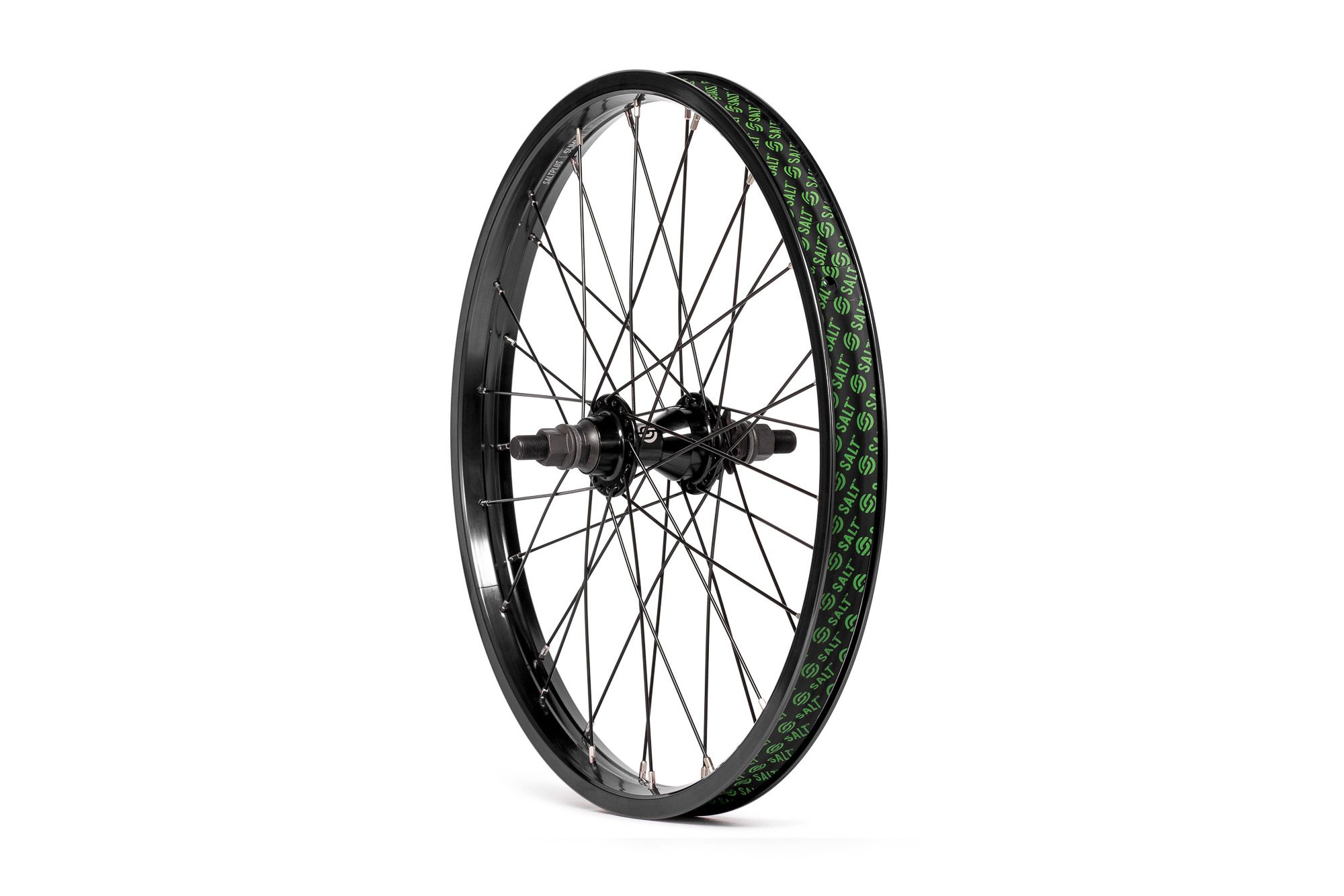 Salt_Everest_CS_rear_wheel_black_01
