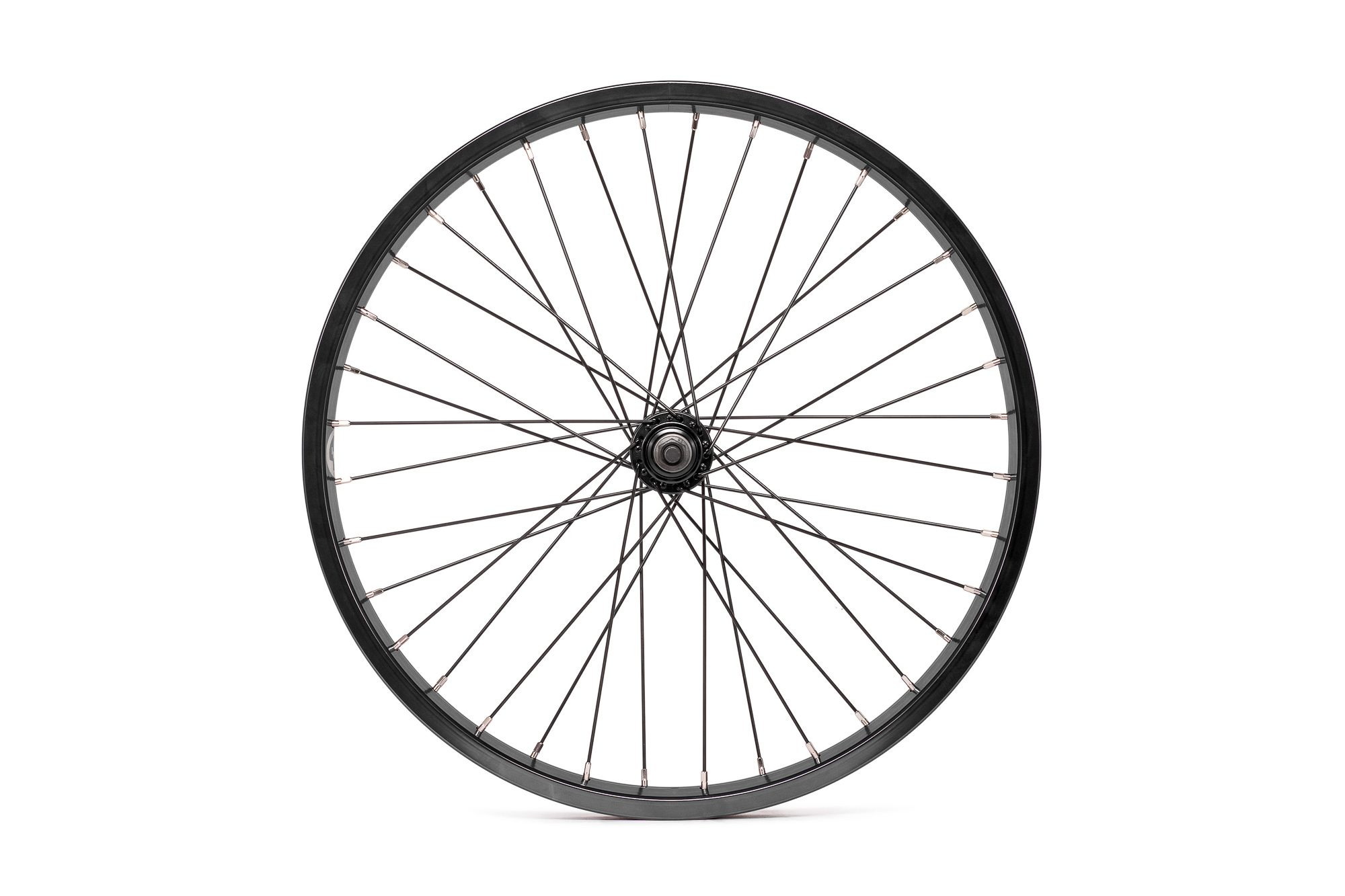 Salt_Everest_front_wheel_black_01
